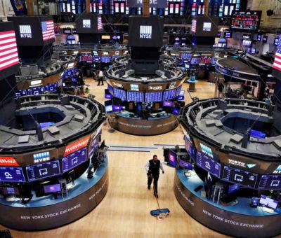 Wall Street retrocede ante la fragilidad de la industria y el comercio minorista