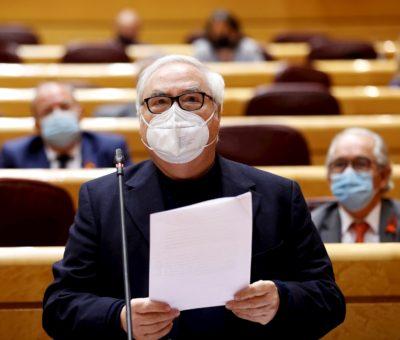 Manuel Castells endurece al máximo la creación de universidades para poner freno a los 'chiringuitos' privados