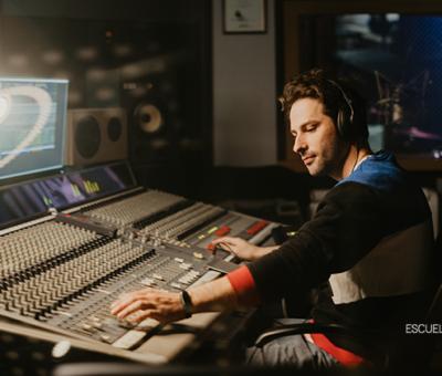 Estudios en producción musical con el máster online de Escuela des Arts
